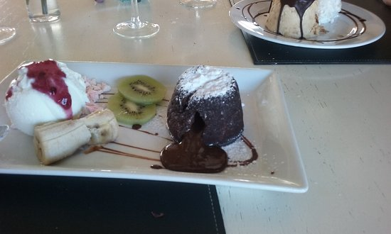 Campana, Argentina: volcan de chocolate