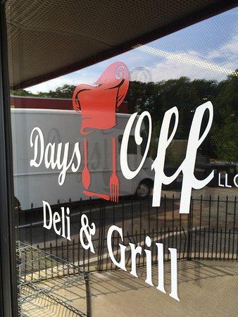 Lexington Park, MD: Inside Day's Off Deli