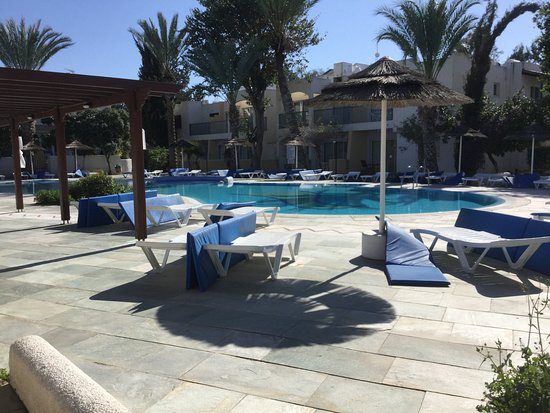 Paphos Gardens Holiday Resort: 1 of the family pools