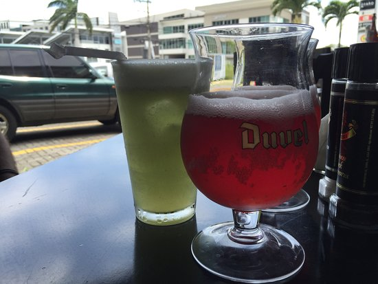 Santa Ana, Costa Rica: Drinks - but no wine?
