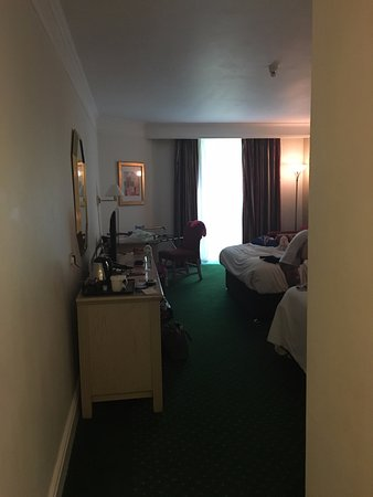 Langstone, UK: Large room but quite dark