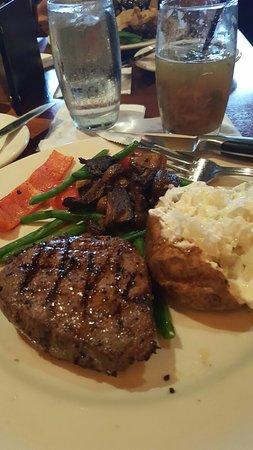 The Keg Steakhouse + Bar Las Colinas 사진