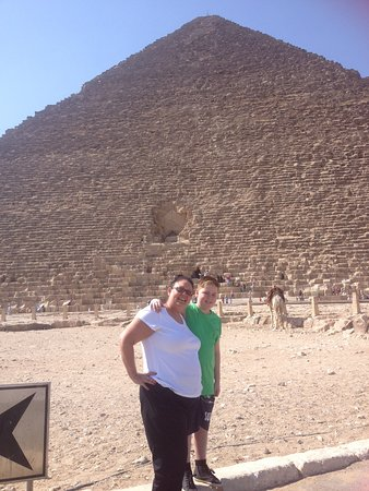 Memphis Tours - Day Tours: Pyramids at Giza