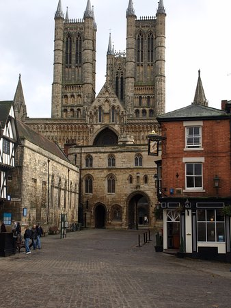 Salisbury, UK: Lincoln cathedral from the bailey