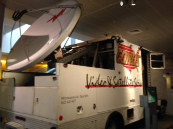 Newseum video and satellite reporting truck
