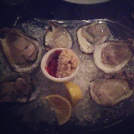 Landry's Seafood : Fresh Oysters (Not the best Photo!)