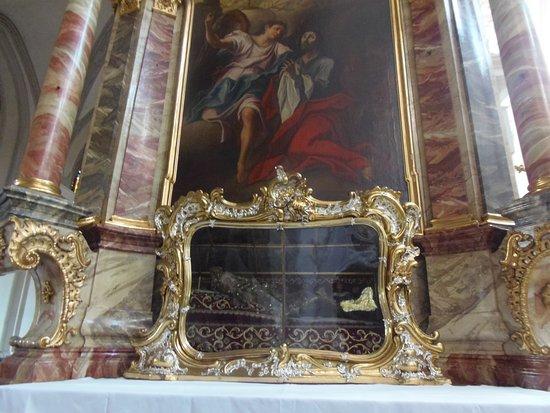 Landsberg am Lech, Alemania: Stadtpfarrkirche Mariä Himmelfahrt-pintura de altar alteral