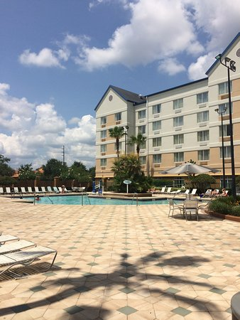 Fairfield Inn & Suites Orlando Lake Buena Vista in the Marriott Village: hotel