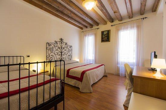 Hotel Antigo Trovatore: CAMERA TRIPLA