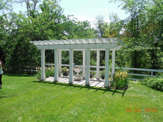 Galena, IL: Garden area of the Bevedere mansion