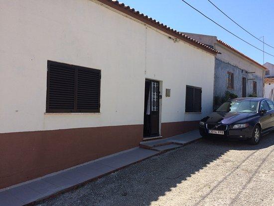 Atouguia da Baleia, Portugal: FACHADA EXTERIOR