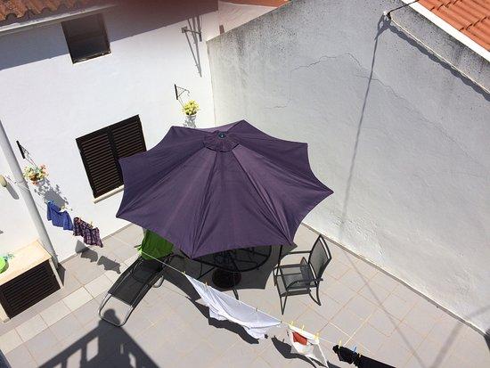 Atouguia da Baleia, Portugal: PATIO VISTO DESDE LA AZOTEA