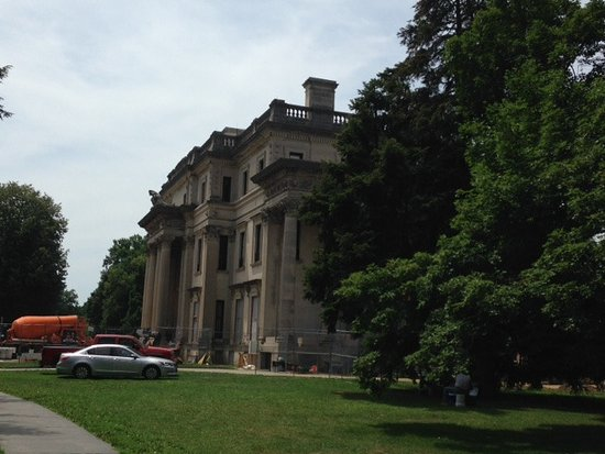 Hyde Park, Nova York: Vanderbilt mansion construction