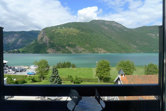 Sogn og Fjordane, Norway: The beautiful view from our room