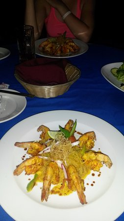 Mayan Bistro: Another Chef's Challenge - Shrimp with Angel Hair Pasta - delicious