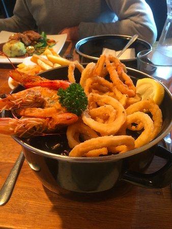 Charlestown, UK: seafood special - prawns, calamari on mussels