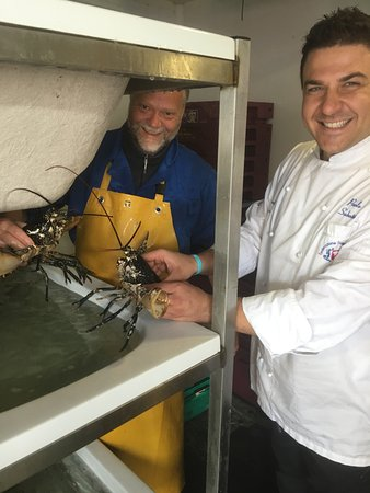 ‪‪Oranmore‬, أيرلندا: Selecting our lobster‬