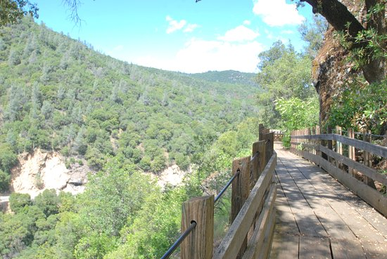 Nevada City, CA: Independence Trail at the South Yuba River State Park