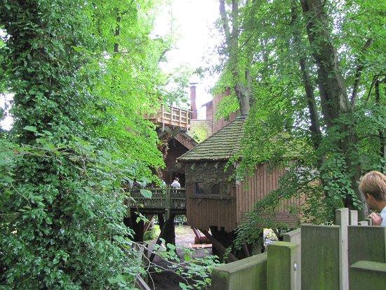 The Alnwick Garden: Treehouse.