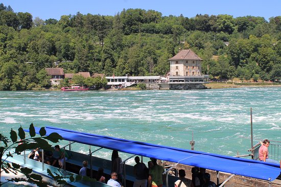 Schafhausen, Sveits: Les plus grandes chutes d'eaux d'Europe !
