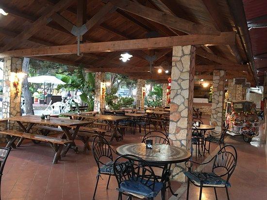 Camping Residence Capo Passero: Posto incantevole e per il relax ai massimi livelli. Campeggiatori possono sostare con estrema c