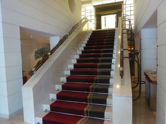 K+K Palais Hotel: Main Stairs