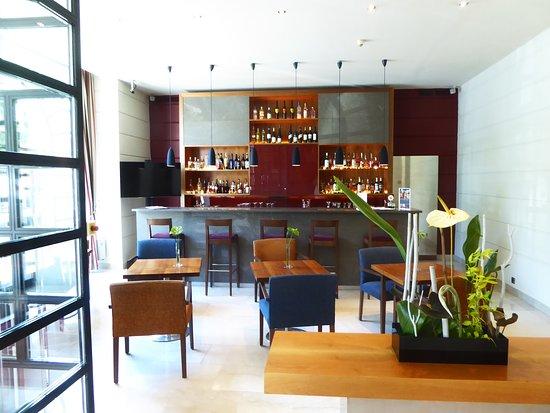 K+K Palais Hotel: Bar area