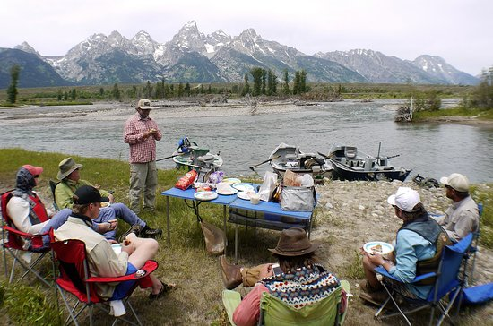 Snake River Angler: Picnic Lunch on the side of the river with a great view of the Tetons!