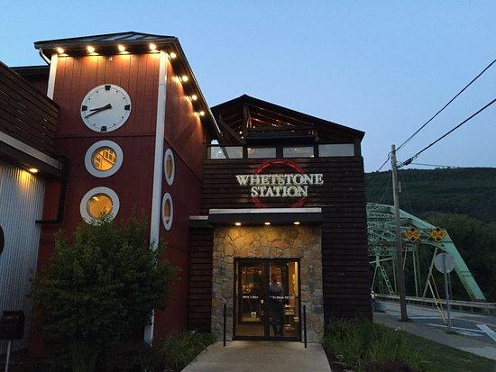 Brattleboro, VT: Front entrance