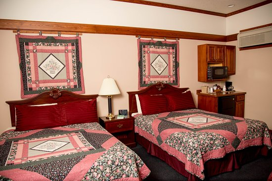 Tomah, WI: Double Queen Bed Suite