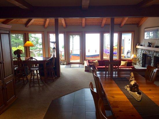 A Snug Harbour Inn afbeelding