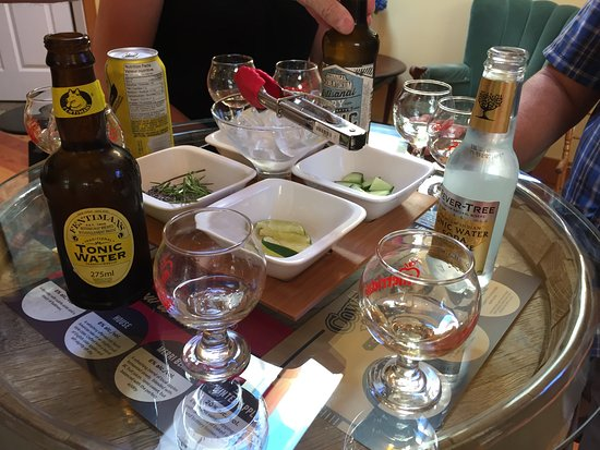 Cobble Hill, Canada: Gin tasting