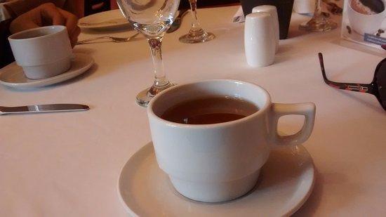 LP Cusco Hotel: Chá de coca oferecido na recepção.