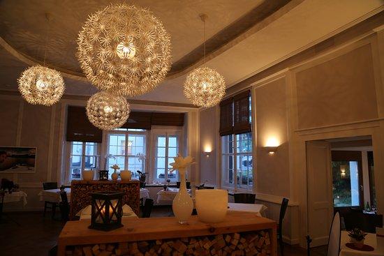 Hotel Rosatsch: The beautiful dining room!