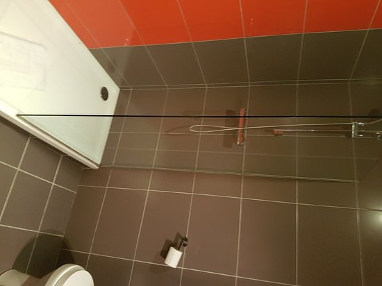 Kyriad Orange Centre: Salle de bain Kyriad Orange