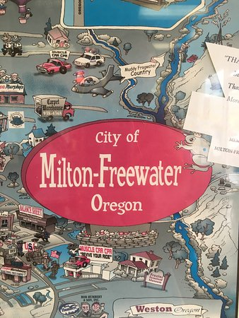 Milton Freewater, OR: Very friendly staff... the food is what should be expected. For a kid from Gotham City, this was