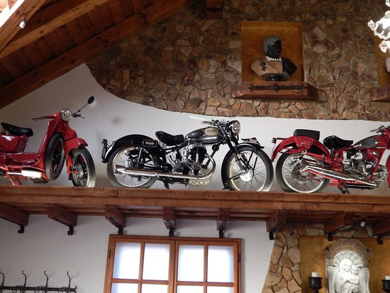 Lendava, Σλοβενία: Bella Venezia, collection of motor bikes