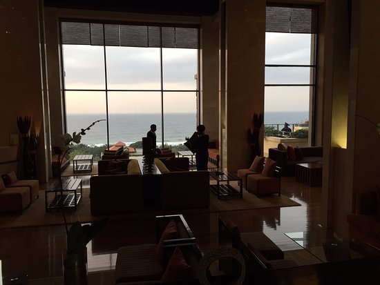 Баллито, Южная Африка: View after entering the lobby, out to sea.
