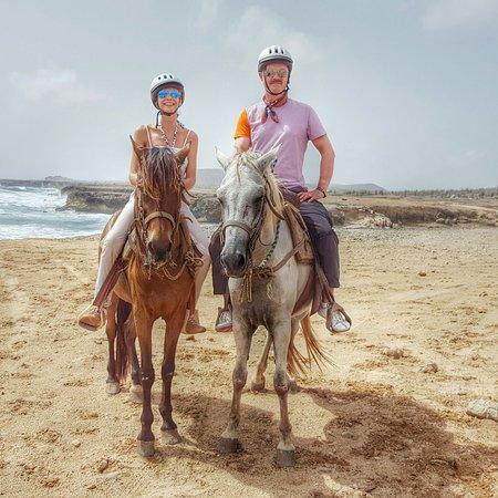 Paradera, Aruba: Flaco & Bacardi showing us their lovely island
