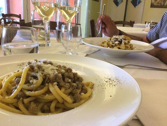 Creazzo, إيطاليا: I due primi descritti Bigoli in salsa d'anitra & Tagliatelle al ragù di colombetto