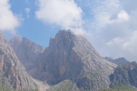 Val Gardena, إيطاليا: Panorama lungo il sentiero.