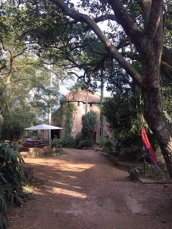 Hillcrest, แอฟริกาใต้: The castle at a distance.