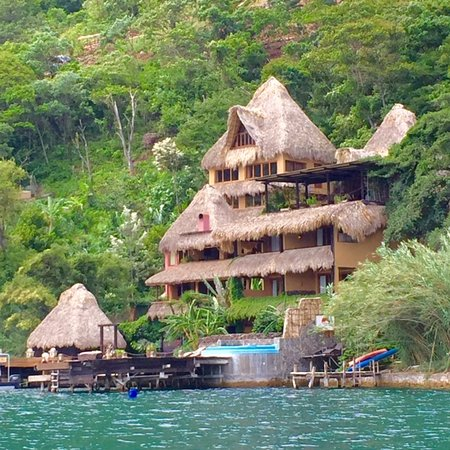 Laguna Lodge Eco-Resort & Nature Reserve: First view of hotel from the boat