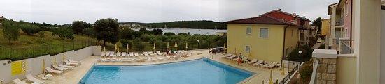 Banjole, Croazia: Blick vom Balkon Residenz Haus E