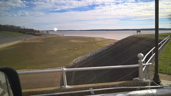 Oakland, MS: The Spillway