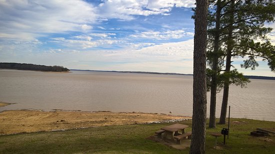 Oakland, MS: The lake
