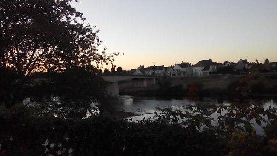 L'lle-Bouchard, Francia: La Vienne au soir.