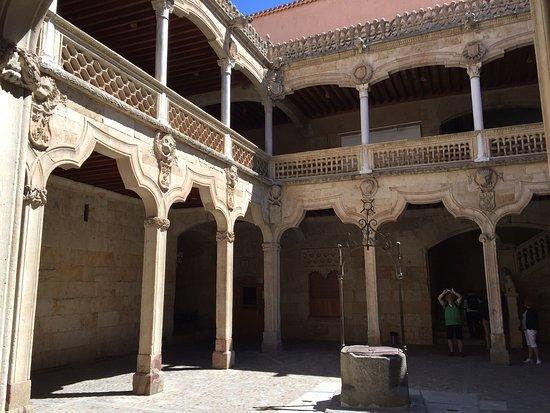 Casa de las Conchas: photo3.jpg