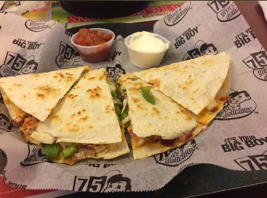 Bay City, MI: Chicken quesadilla