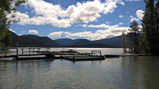 Naches, Вашингтон: Rimrocks Lake boat mooring area